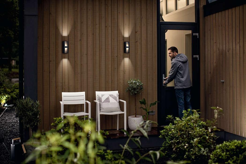 Plafoniera Per Esterno Philips : Applique da esterno led philips shadow per giardino in alluminio